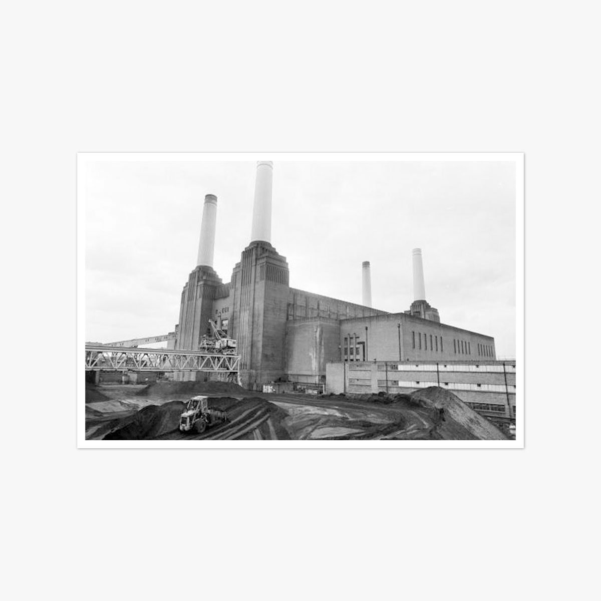 Battersea Power Station by Ian Tyas